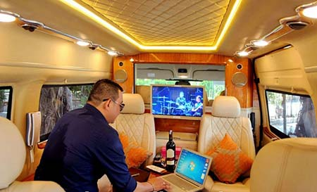 Shuttle car service from Ho Chi Minh to Mui Ne by Limousine dcar