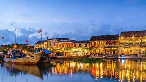 Transport service from Da Nang to Hoi An  by private car