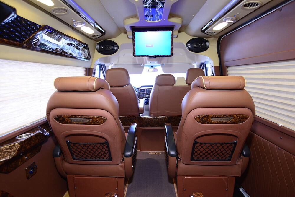 Private Limousine From Vung Tau To Saigon city (Ho Chi Minh city)