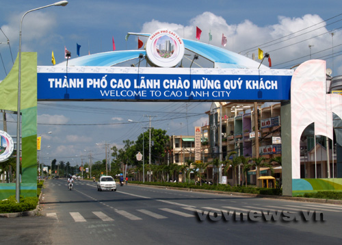 Transfer from Saigon to Cao Lanh by private car